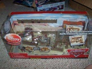 Disney (ディズニー) Mini Infrared Remote Control Cars Mater Junkyard Play Set ミニカー ミニチュア