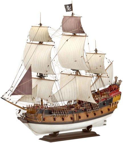 80-5605 1/72スケール 海賊船プラモデルキット Revell of Germany社
