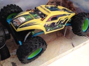 Maisto Tech Yellow Rock Crawler Extreme RC Remote Control Truck おもちゃ