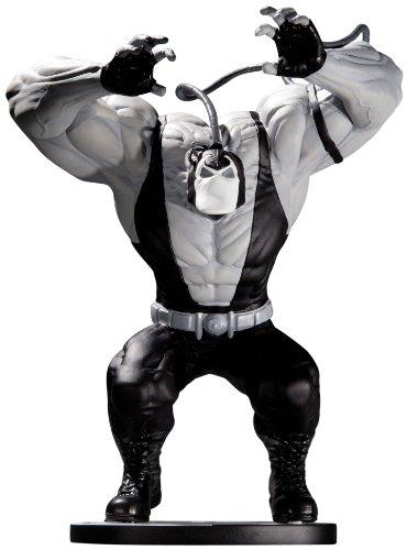 バットマン/ ベイン ブラック&ホワイト スタチュー: ケリー・ジョーンズ