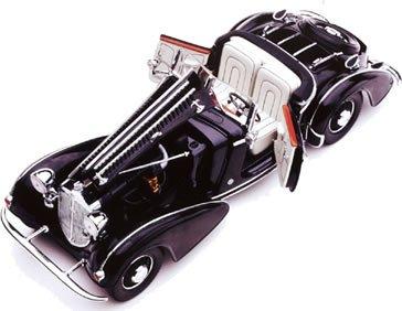 1/18 1939年 ホルヒ855 スペシャルロードスター ブラック 2401