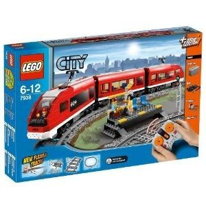 Toy / Game Power Lego (レゴ) City Passenger Train 7938 With 3 Minifigures, 1 Train Driver And 2 Pa