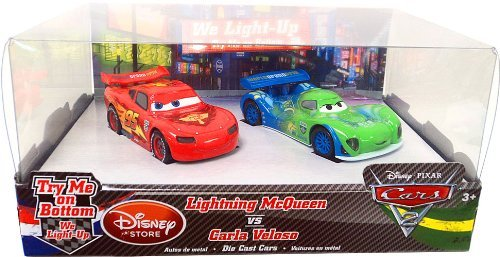 ディズニー / ピクサー CARS 2 Exclusive 148 Light Up Die Cast 2Pack Lightning McQueen vs Carla Velo