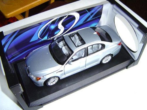 BMW M5 Hard Top w/ Sun Roof Silver - 1:18 by Maisto
