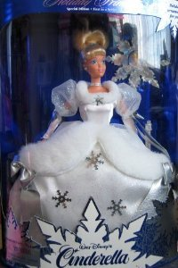 Disney (ディズニー)Holiday Princess Special Edition: Cinderella (シンデレラ) Doll - First in a Ser