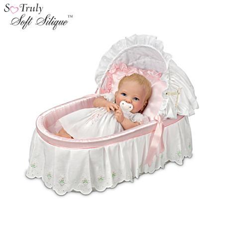 【アシュトンドレイク】Cheryl Hill Lifelike Baby Doll With Basket And Sat/赤ちゃん人形/ベビードール