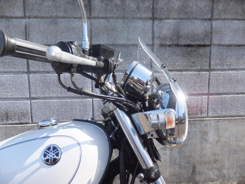 定番から日本未入荷 メーターバイザー ウインドシールド ドレスアップ カスタムパーツ SR400 汎用 ミニカウル ウインドスクリーン スモーク バイク用 クリア 風防 在庫限り