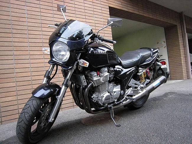 XJR1300 ビキニカウル タイプAEROスクリーン 純正色塗装 ABS製 ボルト付