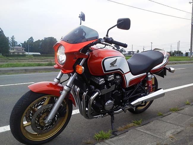 CB750 ビキニカウル タイプRスクリーン 純正色塗装 ABS製 ボルト付