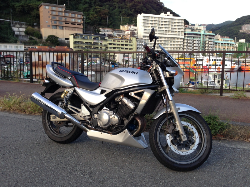 GSX250FX [カワサキ バリオス バリウス] 汎用ビキニカウル タイプRスクリーン [純正色塗装] ABS製 ボルト付