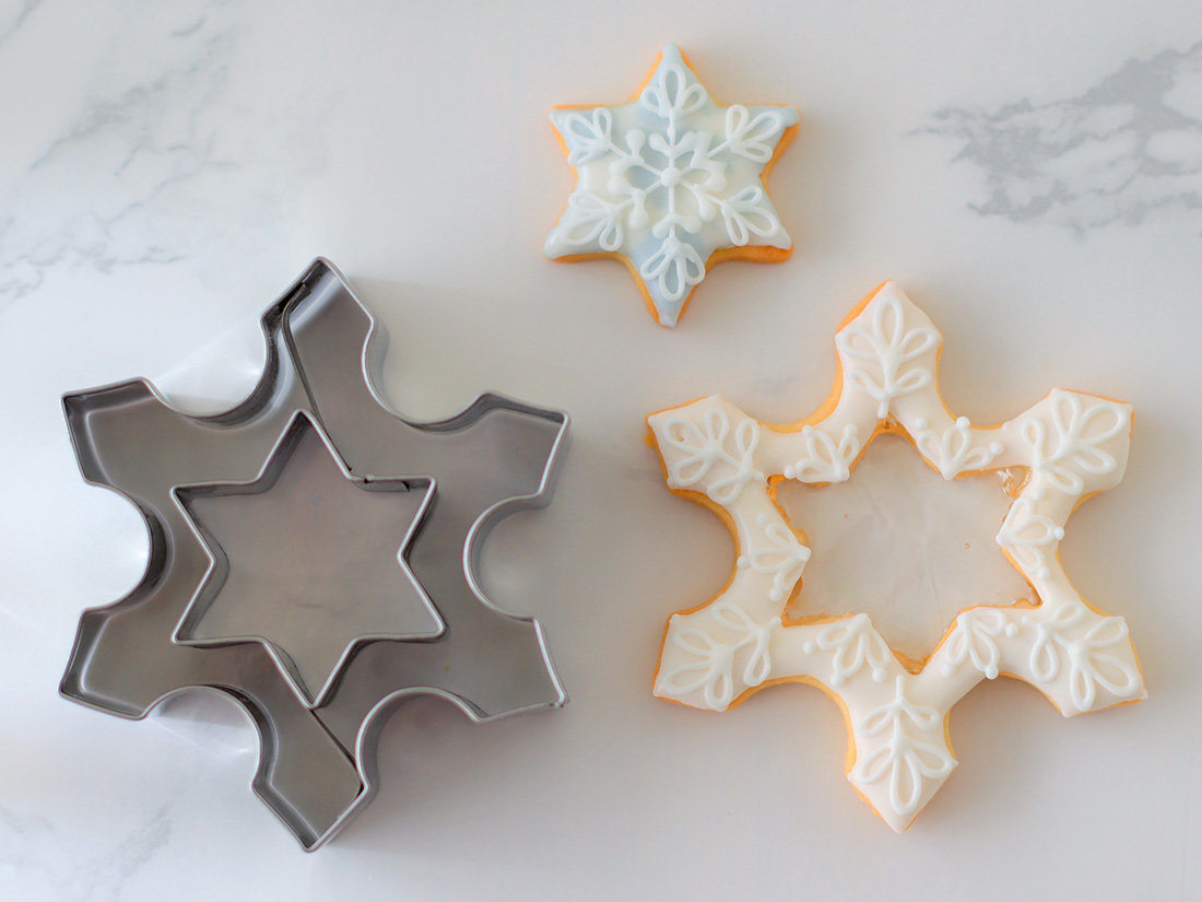 cotta クリスマスクッキー型 雪の結晶 星 クッキー型 型抜き 抜き型 抜型 クッキーカッター お菓子作り 菓子道具 手作り 製菓道具 おしゃれ かわいい 可愛い ビスケット ケーキ カフェ グッズ スイーツ バースデー 誕生日 アイシング