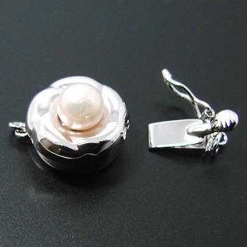 真珠がついた ふっくらドーナツ型クラスプ K14WG(ホワイトゴールド) /天珠 あこや真珠 5mmUP 板バネ式/ストッパー付き [n4](真珠 パールネックレス用 加工用)