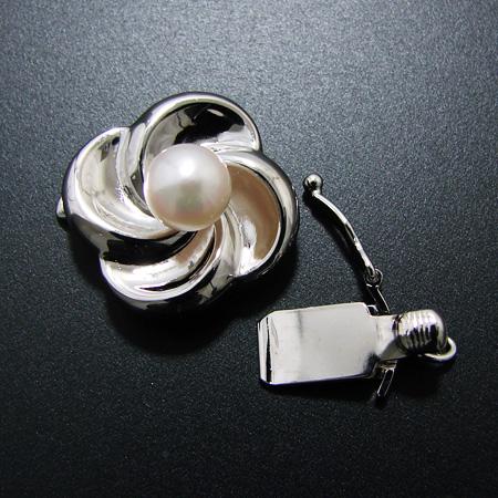 「白山吹のように気品溢れるクラスプ K14WG(ホワイトゴールド)」(真珠 ネックレス 金具)[n5]
