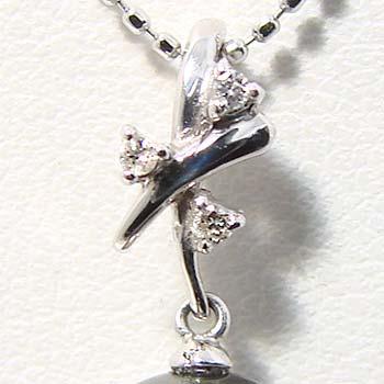 「ダイヤがちりばめられたクロスのペンダントトップ金具(K18WG)」(真珠用)[n5]
