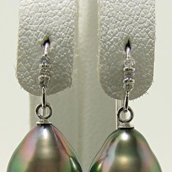 3石ダイヤが輝く フックピアス金具 K18WG ホワイトゴールド 0.03ct×2[n5](真珠用 パール セミオーダー 加工 パーツ)