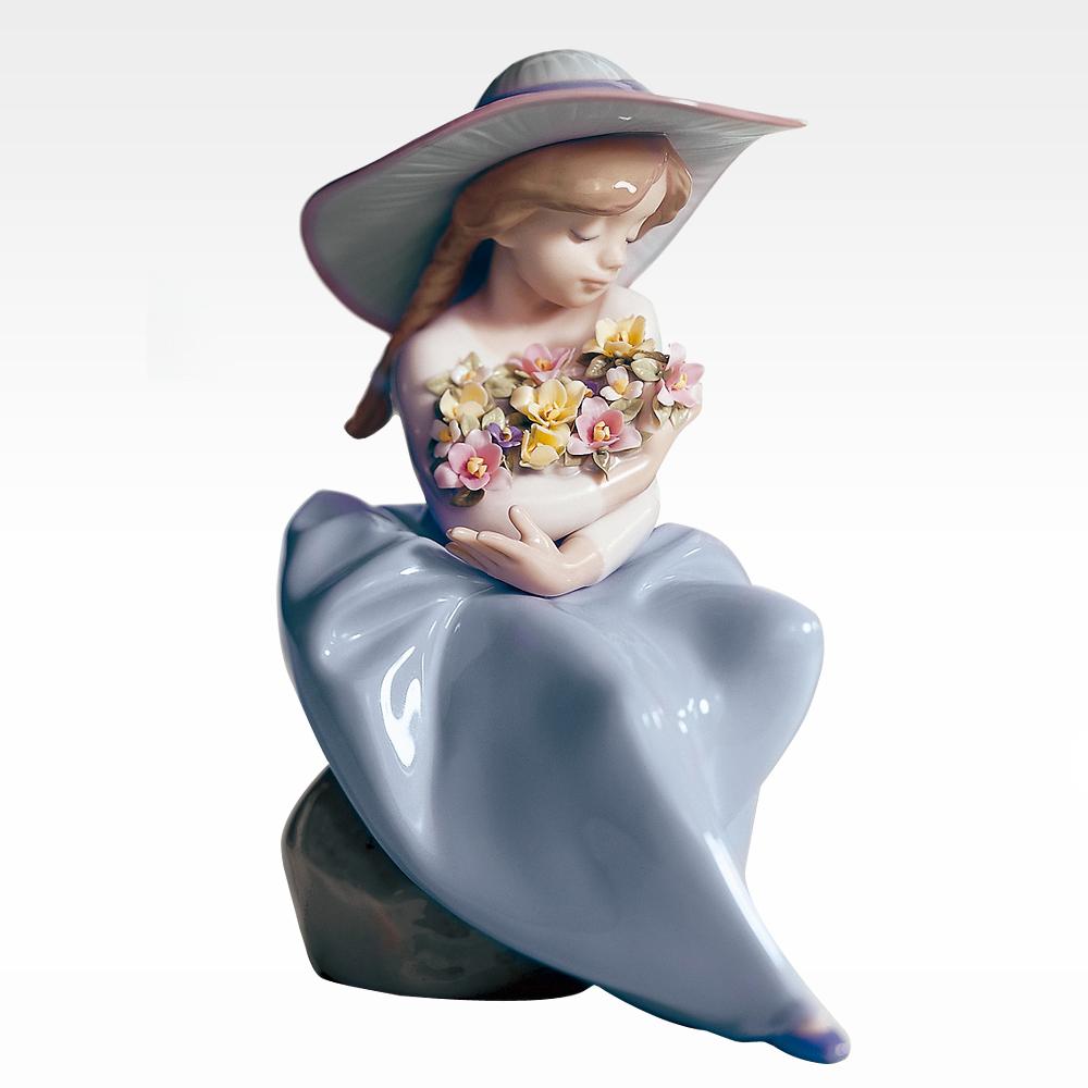 【ご予約会対象品】 リヤドロ 置物 LLADRO 5862 花の香りに包まれて 【お取り寄せ】