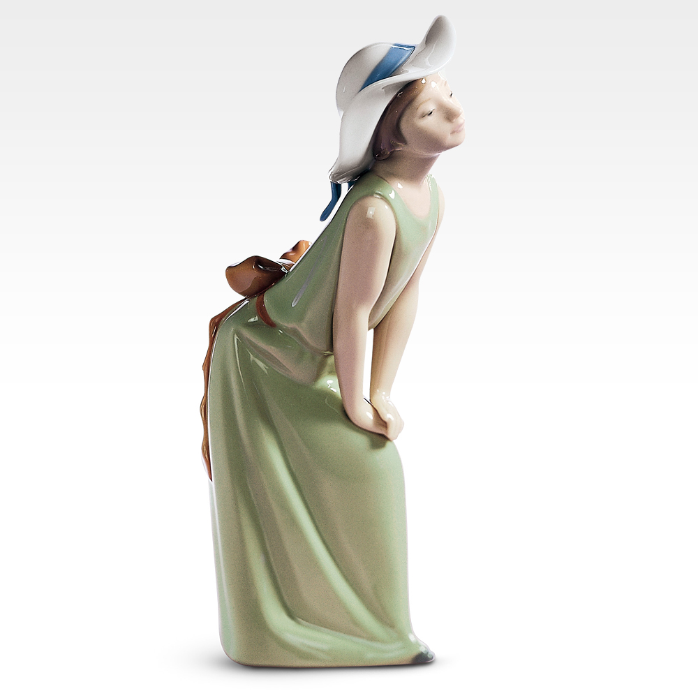リヤドロ LLADRO 鏡のまえで【若草色の少女】 置物 フィギュアオーナメント 5009 【お取り寄せ】