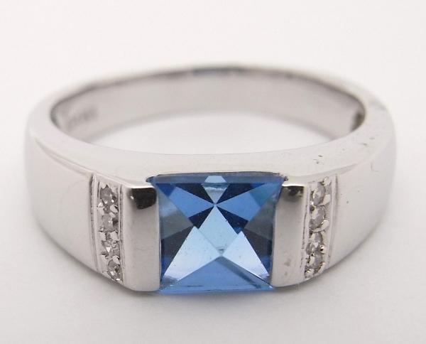 【中古】【程度A】K14WG ホワイトゴールド 指輪 ブルートパーズ ダイヤモンドノーブランド リング