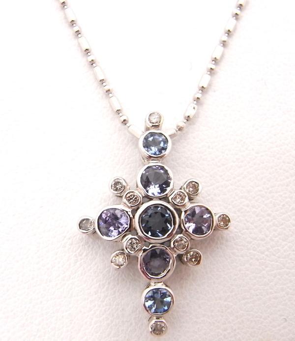 K18WG ホワイトゴールド ネックレスダイヤモンド 0.20ct クロスブルーストーン パープルストーン【中古】【程度A】【ノーブランド】