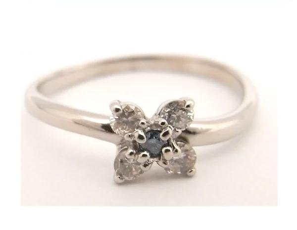 【中古】【程度A】K18 WG ホワイトゴールド 指輪 ブルーダイヤモンド/ダイヤモンド 合計0.18ctノーブランド リング