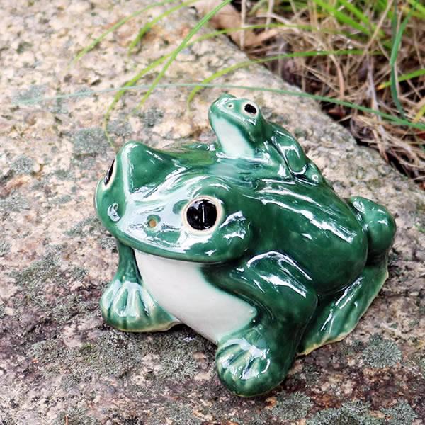 信楽焼カエル 蛙陶器 庭園 陶器かえる 焼き物 在庫あり 茶かえる 縁起物 置物 信楽 海外限定 新築祝 青かえる 信楽焼 5号青蛙 しがらき 陶器蛙 やきもの 陶器 しがらきやき かえる 蛙 金運 カエル ka-0051 庭 縁起物カエル