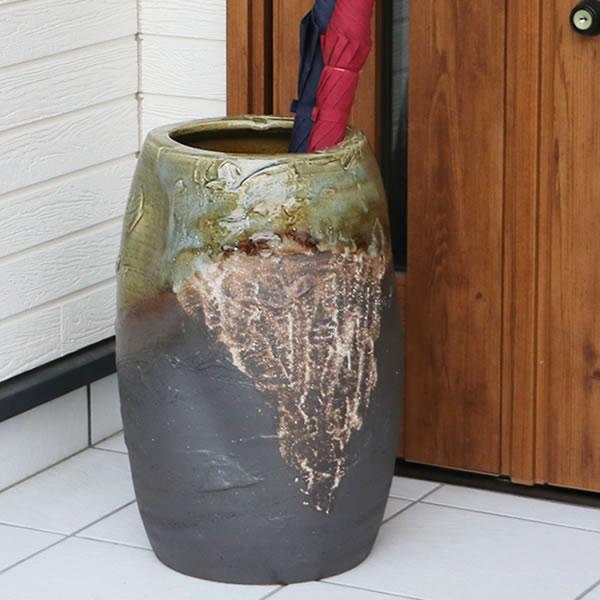【 今だけポイント10倍 】傘立て 陶器傘立て 信楽焼かさたて 和風傘立て 傘入れ 壷 しがらき カサタテ やきもの傘立て かさたて陶器 玄関 花器 花瓶 つぼ型傘立て kt-0115