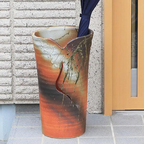 【 今だけポイント10倍 】傘立て 陶器傘立て 信楽焼かさたて 和風傘立て 傘入れ 壷 しがらき カサタテ やきもの傘立て かさたて陶器 玄関 花器 花瓶 火色傘立て kt-0240