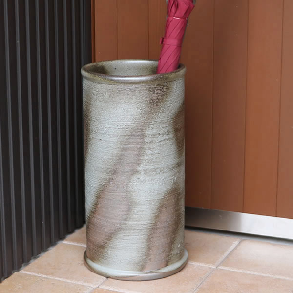 傘立て 陶器傘立て 信楽焼かさたて 和風傘立て 傘入れ 壷 しがらき カサタテ やきもの傘立て かさたて陶器 玄関 花器 花瓶 くし目傘立て kt-0319