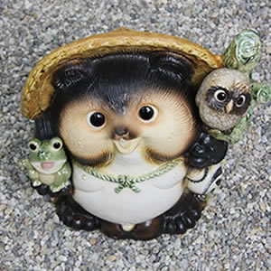 No. 13 OWL frog have Pom! Shin Raku raccoon dog lucky charm raccoon / pottery Tanuki and raccoon dog figurines / pottery / and while big Shine / pottery / Tanuki raccoon Shigaraki / OWL [ta-0080]