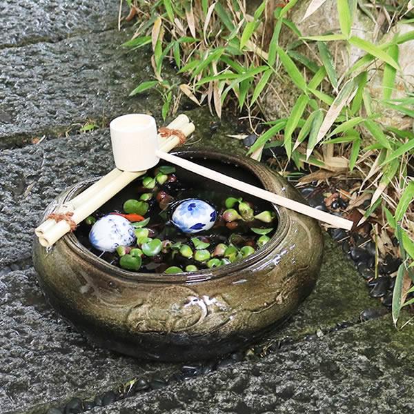 信楽焼 つくばい 竹付き陶器つくばい 和風のツクバイ鉢 陶器スイレン鉢 竹付き睡蓮鉢 和風鉢 メダカ鉢 金魚鉢 tu-0006