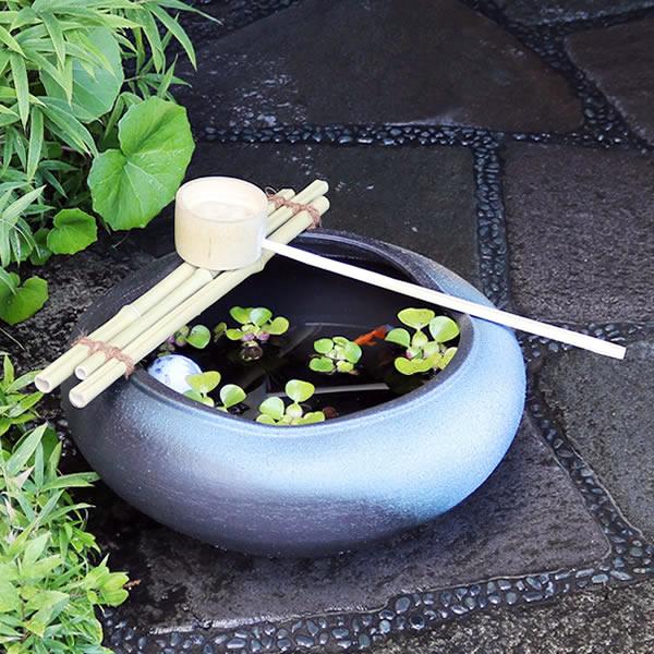 信楽焼 つくばい 竹付き陶器つくばい 和風のツクバイ鉢 陶器スイレン鉢 竹付き睡蓮鉢 和風鉢 メダカ鉢 金魚鉢 tu-0020
