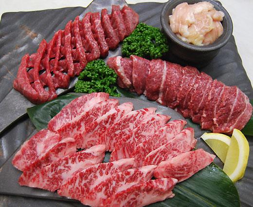 松阪牛 焼肉パーティーセット小匠 600g カルビ・ホホ肉・ダイヤモンドカット・ホルモン焼きの4点セット