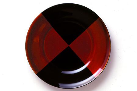 受け皿にも取り皿にも…自分らしい食器に【Plate 白檀 (大)】