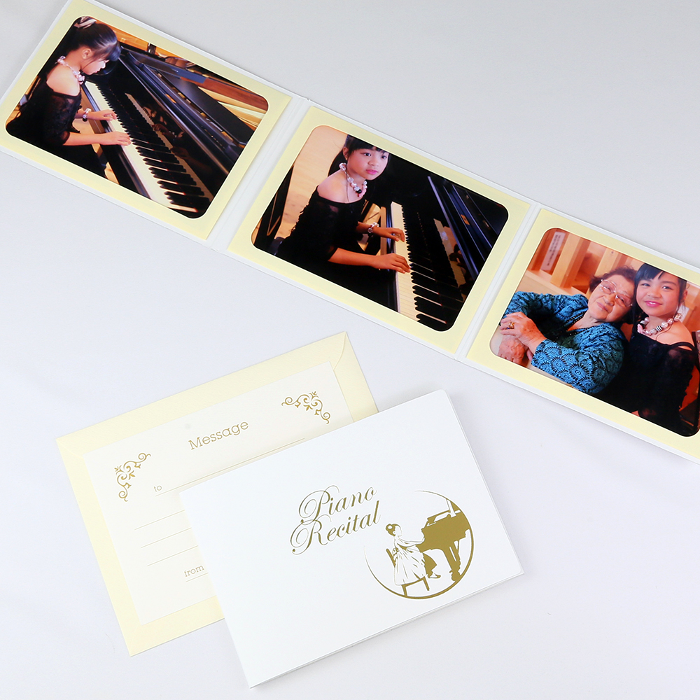 ピアノ教室の先生 親御さんにおすすめ カンタンらくちん 写真を差し込むだけのポケット台紙 ペーパー 舗 フォトフレーム 写真台紙 ピアノ 2Lサイズ 女の子 Recital ホワイト 発表会 誕生日 お祝い 3面ヨコ Piano