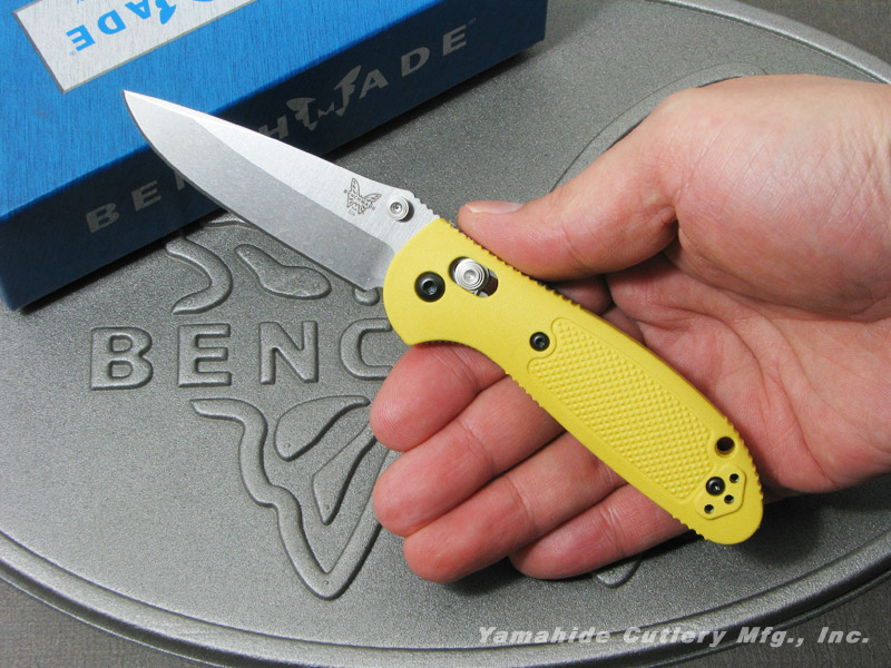 ベンチメイド 556-YEL-S30V ミニ・グリップティリアン シルバー直刃,サムスタッド,イエローハンドル ,折り畳みナイフ ,BENCHMADE Mini Griptilian