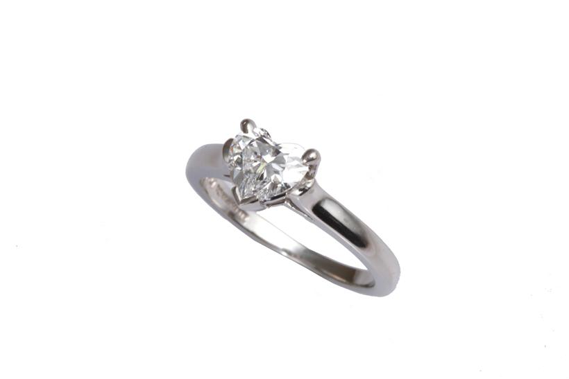 TIFFANY&Co. ティファニー ハートシェイプ ダイヤモンドリング PT950 0.75ct E VS1 【中古】