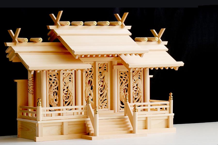 美・木曽ひのき ■ 屋根違い 三社 ■ 鳳凰の彫刻に赤御簾 ■ 神棚