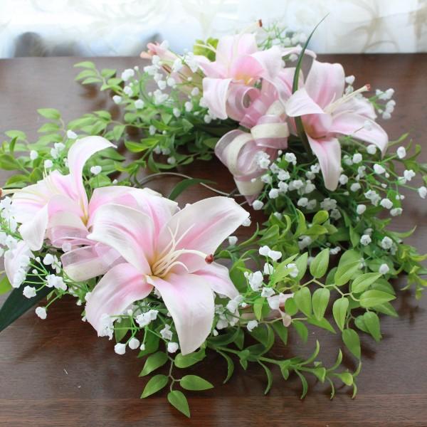 造花 ピンクのリリーとかすみ草のスワッグ (ゴム付) ウェディング ブライダル CT触媒