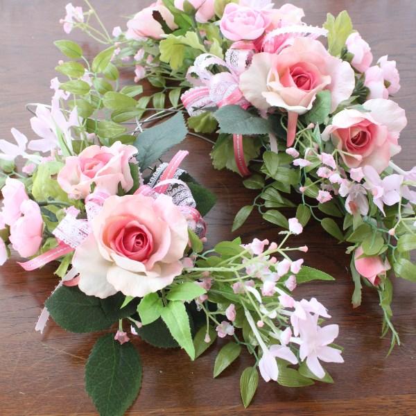 造花 ピンクのローズとラナンキュラスのスワッグ (ゴム付) シルクフラワーr【ウェディング】 CT触媒