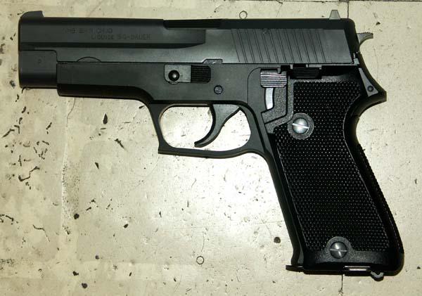 タナカ P220IC 9ミリ拳銃(海自)