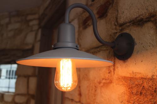 インダストリアルライト グレー系E型【送料無料】1点もの ブラケットライト 室内照明 壁付け 照明 壁掛けライト ブラケット照明  古着 屋外照明 LED ブラケットライト 原宿系 照明器具 おしゃれ 子供部屋