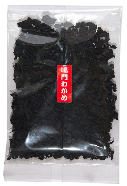 柔らかいわかめで生でサラダにも メール便8個まで送料無料 徳島県 鳴門産 お手軽 カットわかめ 国産原材料使用 お味噌汁 20g サラダ 永遠の定番 いつでも送料無料 竹の子 使いやすい