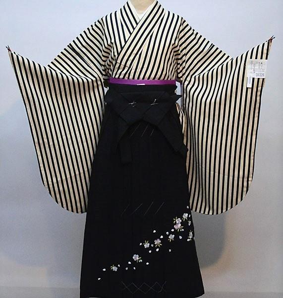 二尺袖 着物 袴フルセット 黒縞 着物生地は日本製 縫製と袴は海外 袴変更可能 着物丈はショート丈 新品(株)安田屋 403856789
