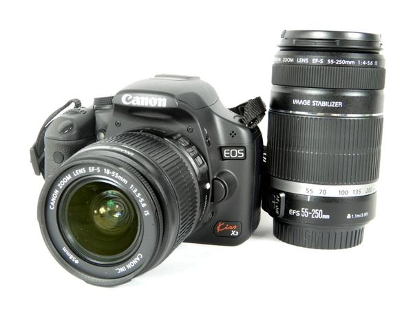 【中古】 良好 Canon キヤノン EOS Kiss X3 ダブルズームキット KISSX3-WKIT デジタル 一眼レフ カメラ K3686035