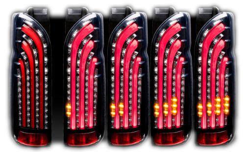 415 COBRA LIGHT SABER SEQUENTIAL トヨタ ハイエース 200系用 カラー:インナーブラック/スモークレンズ/レッドバー(SDLS200VSQBRB)【電装品】415コブラ ライトセーバー シーケンシャル LED TAIL LAMP LEDテールランプ