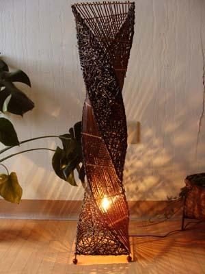 8月下旬入荷予定 ライト 照明器具 フロアスタンドランプ おしゃれ (アタとラタンのネジレランプ Lサイズ(花台付)) 間接照明 花台 アジアン照明 バリ エスニック リゾート