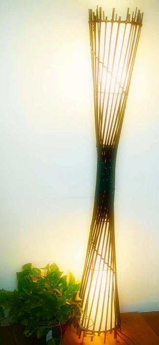 間接照明 スタンドライト アジアン ♪ナチュラルバンブートルネードランプ(ラウンド)♪ 【送料無料】【ヤヤパプス】 おしゃれ インテリア エスニック 照明 バンブー アイアン