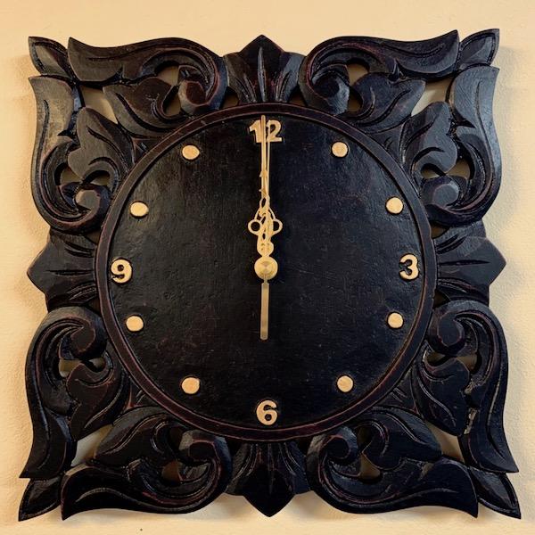 アジアン 家具 雑貨 照明 インテリア 人気海外一番 エスニック リゾート リースト彫刻壁掛け時計 壁飾り 新品 おしゃれ ウォールクロック バリ