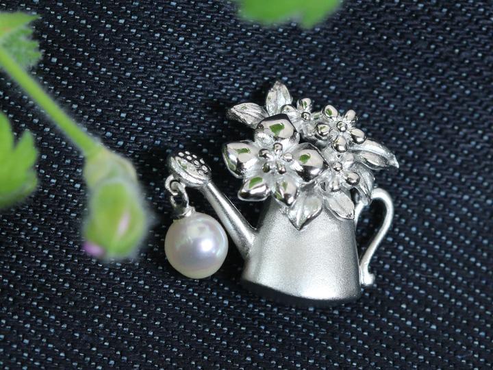 【ギフト応援プライス】じょうろモチーフ 真珠一粒が揺れるピンタック 男女兼用 受注品/Ycollectionワイコレクション/送料無料