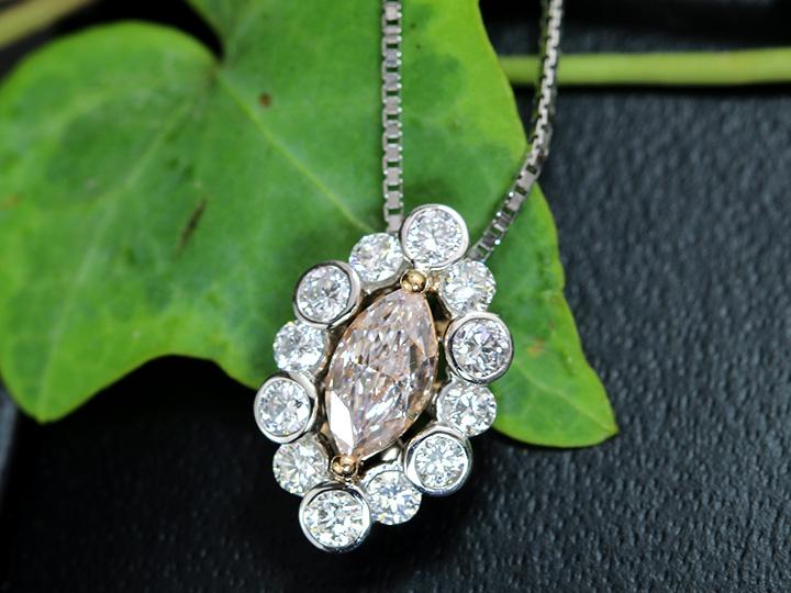 ★クーポンで40%OFF対象★ピンクダイヤモンド 0.408ct LIGHT ORANGY PINK SI2 ダイヤモンド取り巻き0.38ct マーキスカット PT/K18PGネックレス ソーティング付 CGLソーティング 1点もの/Ycollectionワイコレクション/送料無料